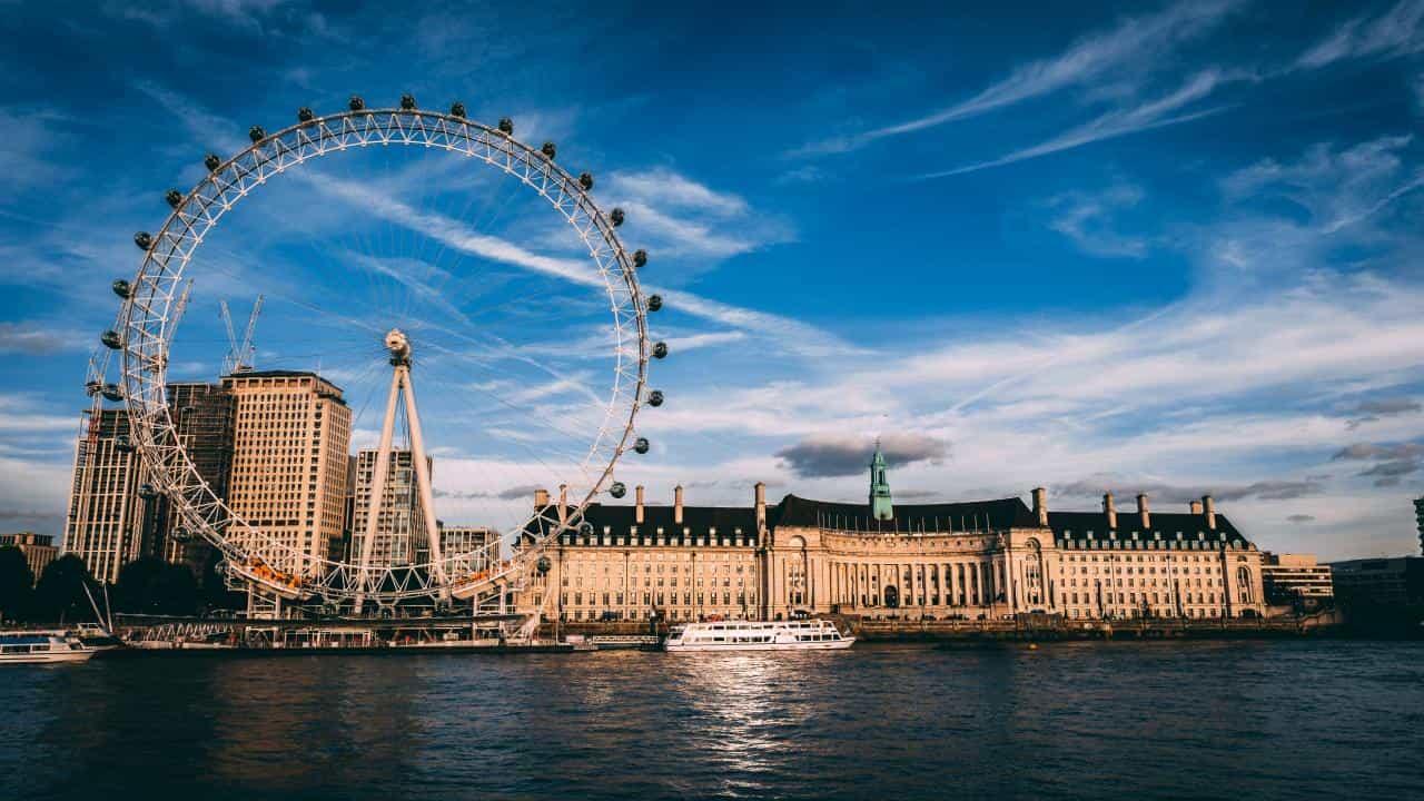 полети варна лондон - Евтини полети Варна Лондон