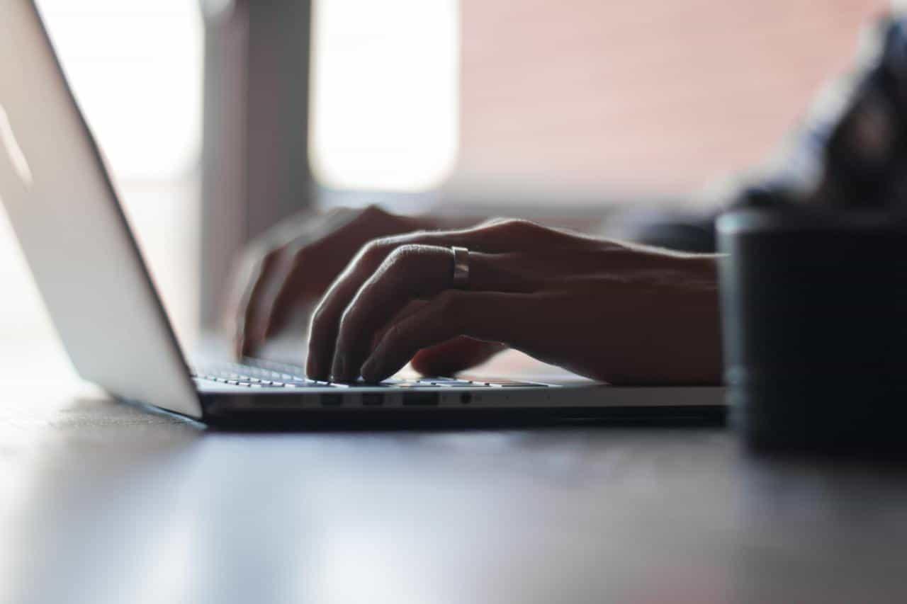 е онлайн чекиране online check in - Какво е онлайн чекиране (online check-in)?