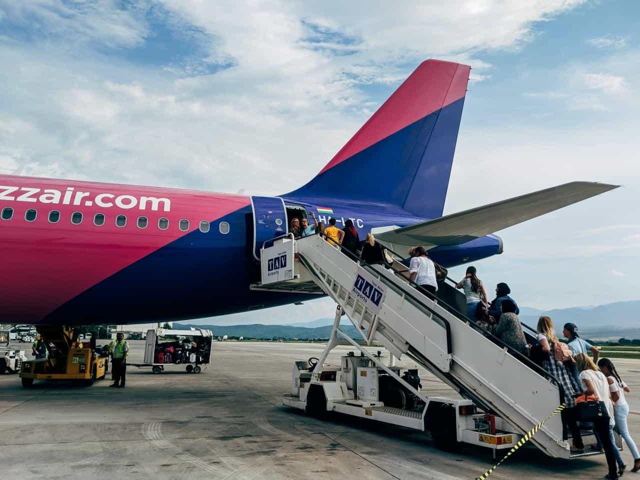 wizz air евтини самолетни билети - Wizz air евтини самолетни билети